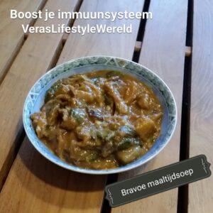 Surinaamse Bravoe - cassavesoep met kip