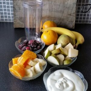 Een fruitige frozen yoghurt smoothie met witte chocola
